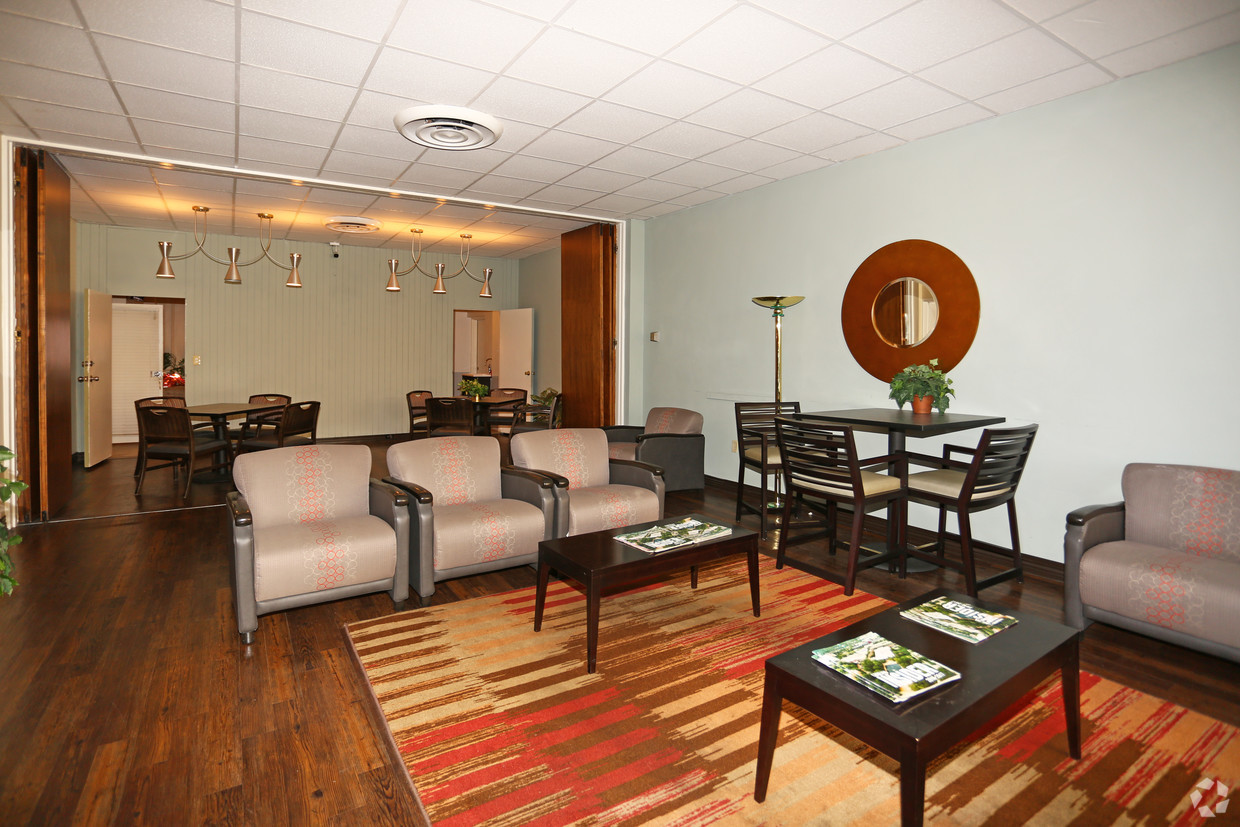 cornell-arms-apartments-columbia-sc-interior-photo clubroom